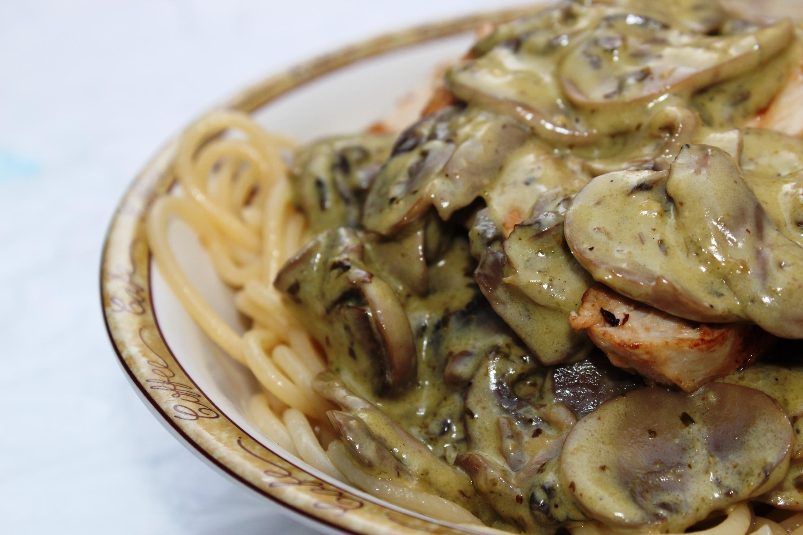 Creamy Mushroom pasta | chillitastepot